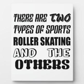 Es gibt zwei Arten Sport Rollen-Skaten und Fotoplatte