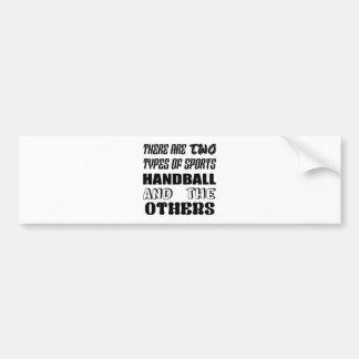 Es gibt zwei Arten Sporthandball und -andere Autoaufkleber