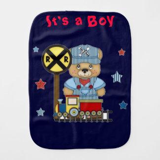 Es ist ein Jungen-Teddybär-Zug Spucktuch