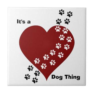 Es ist eine Hundesache-Herz-und Keramikfliese