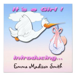 Es ist eine Mädchen-Storch-Geburts-Mitteilung Quadratische 13,3 Cm Einladungskarte