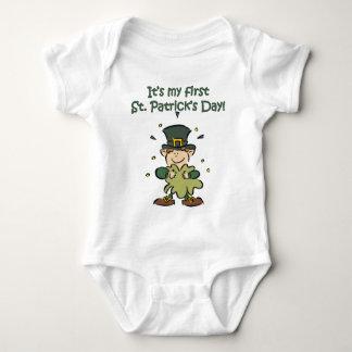 Es ist meines ersten St Patrick Tag Baby Strampler