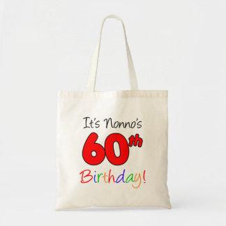 Es ist Nonnos 60. Geburtstags-Spaß und bunte Tragetasche