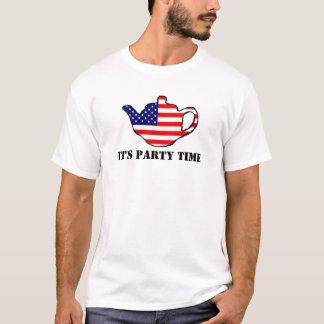 Es ist Party-Zeit T-Shirt