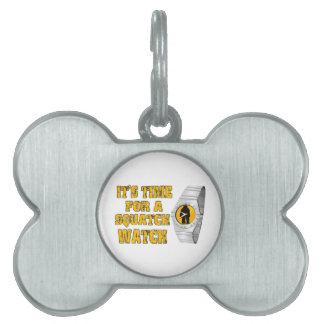 Es ist Zeit für eine Squatch Uhr Tiermarke