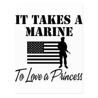 Es nimmt einem Marinesoldaten zur Liebe eine Postkarte