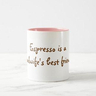 Espresso ist der beste Freund einer Hebamme! Zweifarbige Tasse