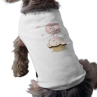 Essen Sie einen kleinen Kuchen Shirt