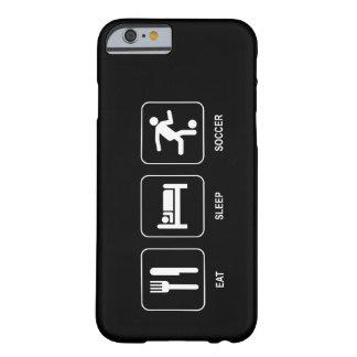 Essen Sie Schlaf-Fußball Barely There iPhone 6 Hülle