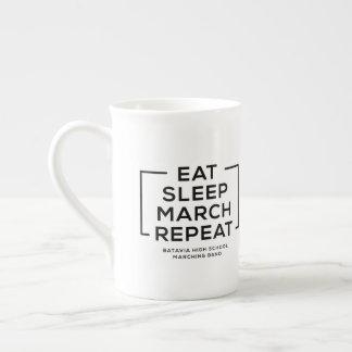 Essen Sie - Schlaf - März - wiederholen Sie Tasse