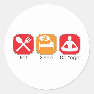 Essen Sie Schlaf-Yoga Runder Aufkleber