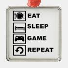 Essen Sie, schlafen Sie, Spiel, Wiederholung Silbernes Ornament