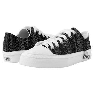 Ethnische schwarze niedrige Spitzenschuhe des Niedrig-geschnittene Sneaker