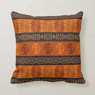 Ethnisches afrikanisches Muster mit Adinkra Kissen