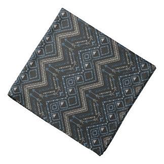 Ethnisches Muster mit amerikanischer Verzierung Halstuch