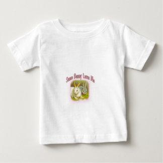 Etwas Häschen-Lieben ich - Rosa Baby T-shirt