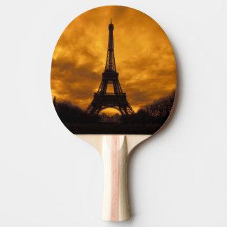 EU, Frankreich, Paris.  Eiffel-Turm Tischtennis Schläger