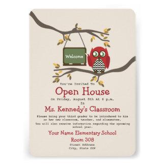 Eule zurück zu Schulklassenzimmer-offenem Haus Individuelle Einladungen