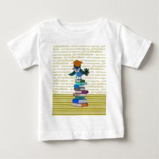 Eulen-tragende Krawatte, Absolvent-Kappe auf Baby T-shirt