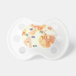 Eurohintergrund Schnuller