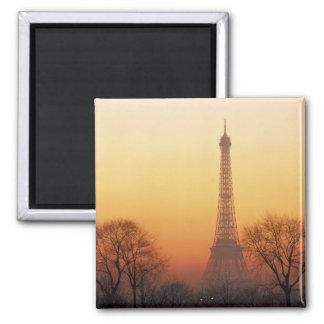 Europa, Frankreich, Paris. Eiffelturm (Medium Quadratischer Magnet