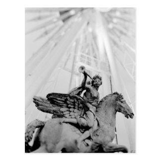 Europa, Frankreich, Paris. Statue und Riesenrad, 2 Postkarten
