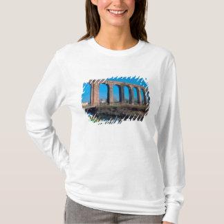 Europa, Italien. Aquaduct nahe Lucca T-Shirt