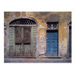 Europa, Italien, Lucca. Diese alten Türen fügen hi Postkarte
