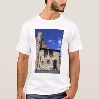 Europa, Italien, Umbrien, Chianti, Montebenichi. T-Shirt