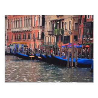 Europa, Italien, Venedig, Gondeln im Kanal Postkarte