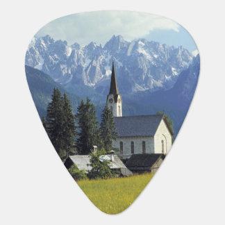 Europa, Österreich, Gosau. Der Helm der Kirche Plektrum