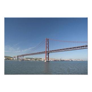 Europa, Portugal, Lissabon alias Lissabon). Ponte Fotodruck