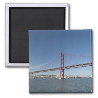 Europa, Portugal, Lissabon alias Lissabon). Ponte Quadratischer Magnet