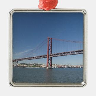 Europa, Portugal, Lissabon alias Lissabon). Ponte Silbernes Ornament