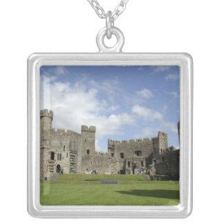 Europa, Wales, Caernarfon. Caernarfon Schloss, Versilberte Kette