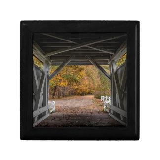 Everatt Straßen-überdachte Brücke Erinnerungskiste
