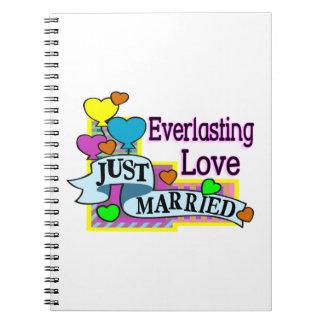 Ewig Liebe-gerade verheiratete Herz-Ballone Spiral Notizblock