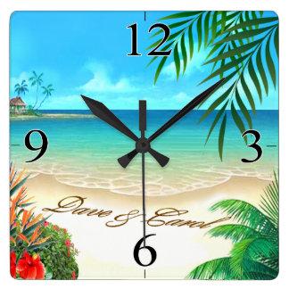 Exotischer Strand Daves FRAGEN 4 IHRE NAMEN im Quadratische Wanduhr