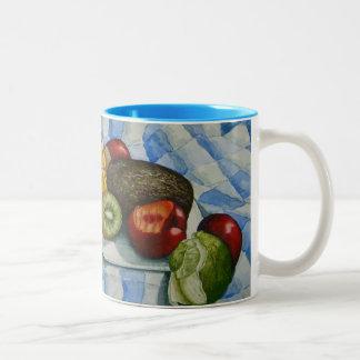 exotisches Frucht-Stillleben, das ursprüngliche Zweifarbige Tasse