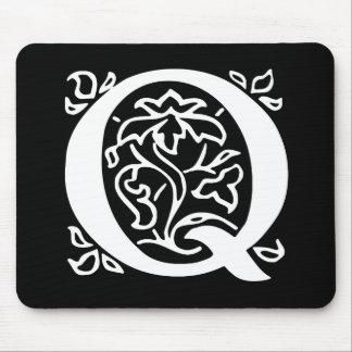 Extravaganter Buchstabe Q Mousepad