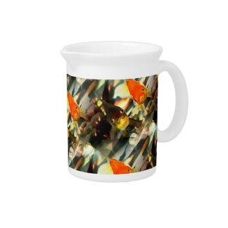 Extravaganter Goldfish stellt Watercolor-Bild Krug
