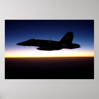 F/A-18C Hornisse am Sonnenuntergang-Plakat Poster