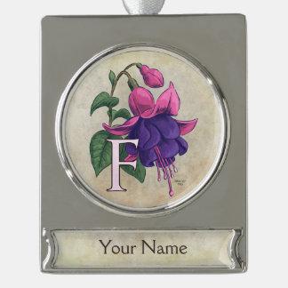 F für pinkfarbenes personalisiertes Monogramm Banner-Ornament Silber
