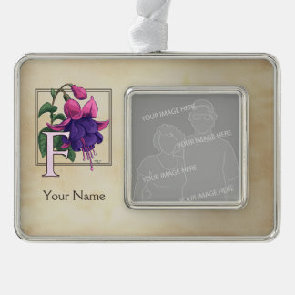F für pinkfarbenes personalisiertes Monogramm Rahmen-Ornament Silber