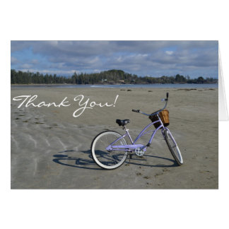 Fahrrad auf dem Strand danken Ihnen zu kardieren Karte