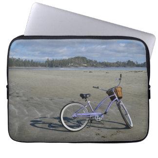Fahrrad auf dem Strand Laptopschutzhülle