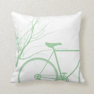 Fahrrad-Wurfskissen der Natur grünes Kissen