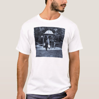Fairmount Park Vintages Philly CA 1900-1910 T-Shirt