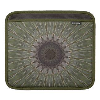Falke-Feder-Sternexplosion iPad Sleeve