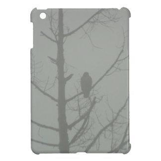 Falke im Nebel iPad Mini Hülle